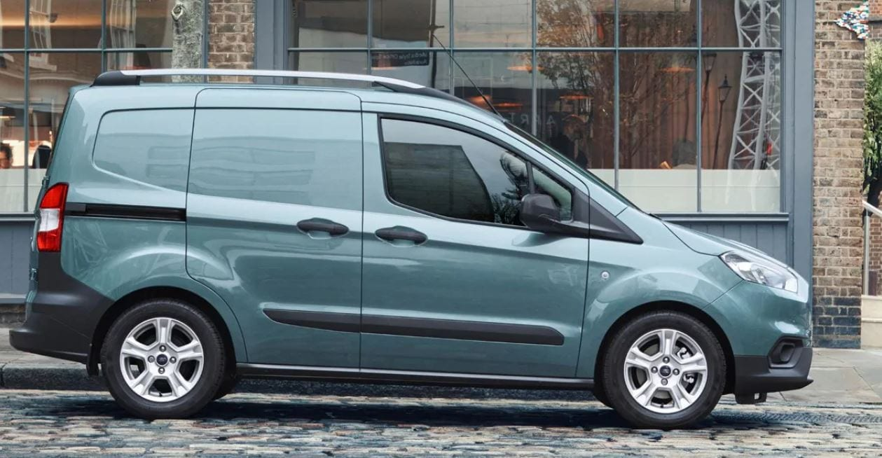 medidas ford transit courier