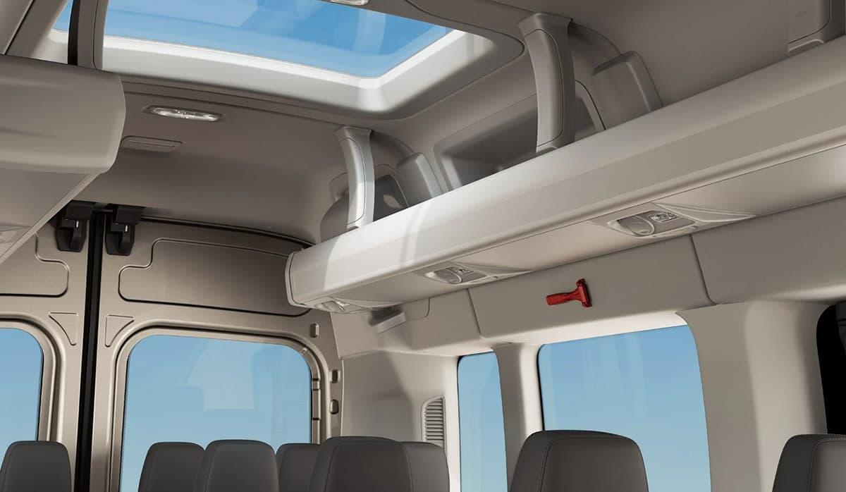 ford transit minibus capacidad