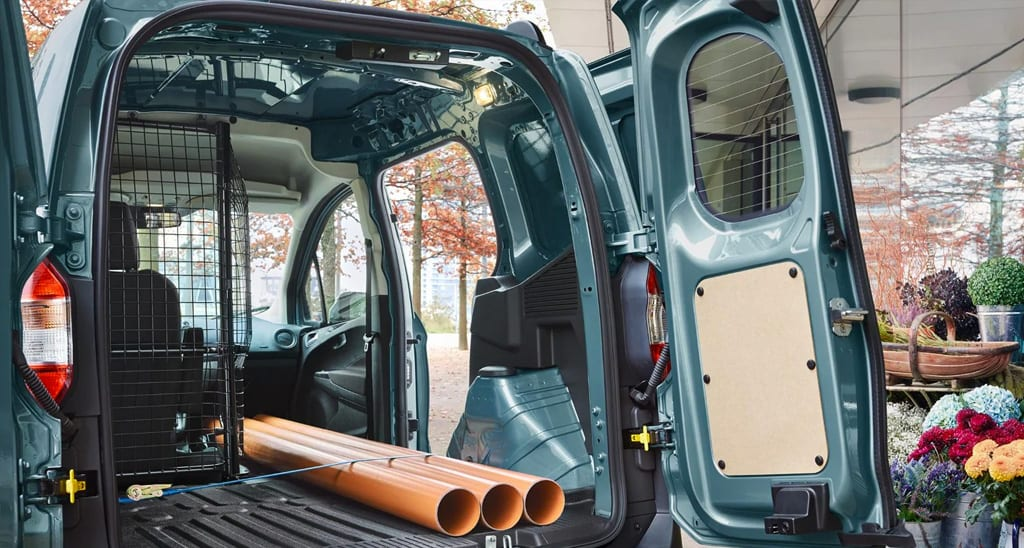 ford transit courier capacidad