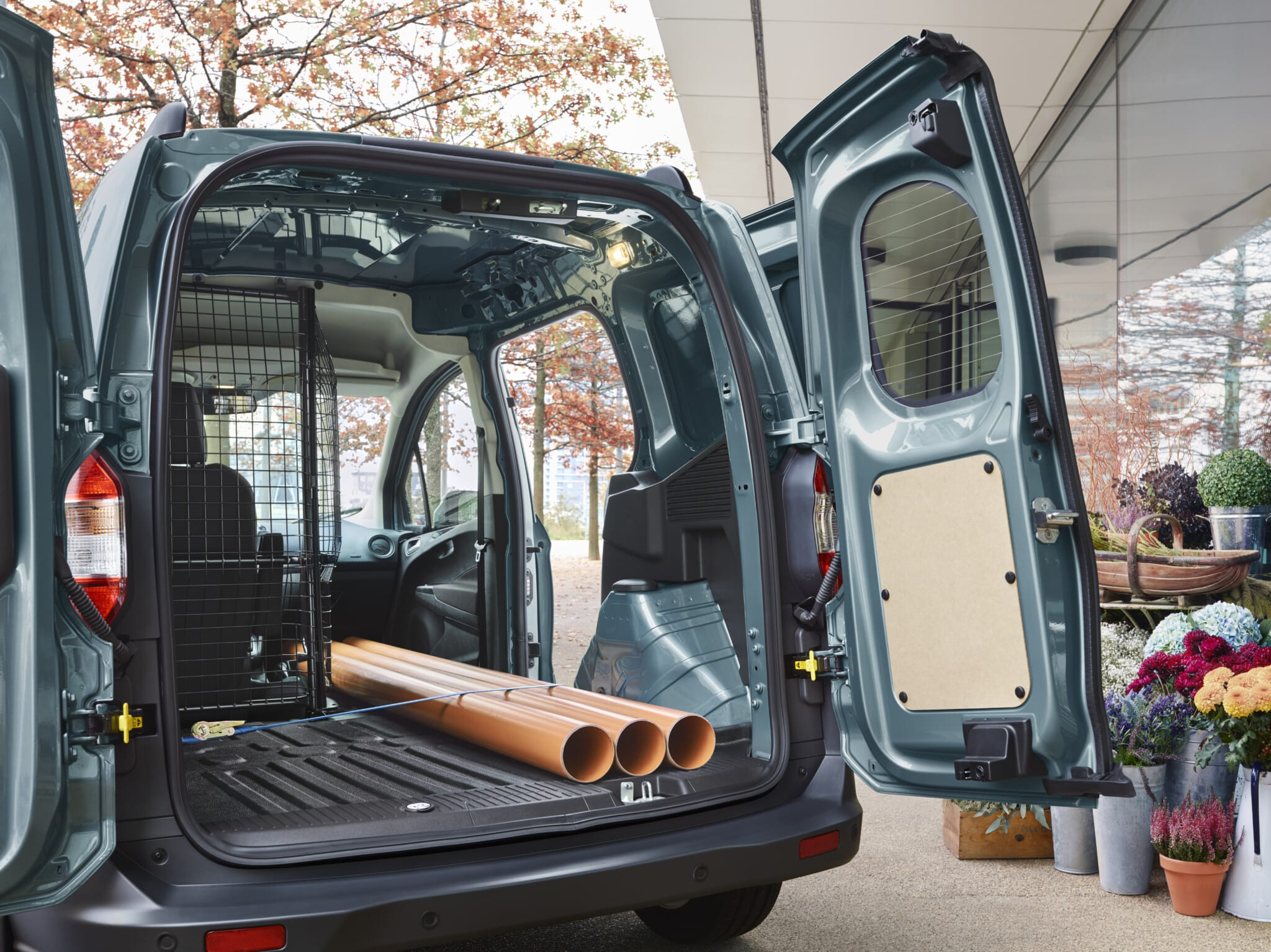 Ford Transit Courier maletero